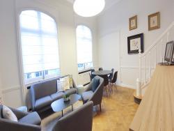 Topos Louise - Folon Meeting Room