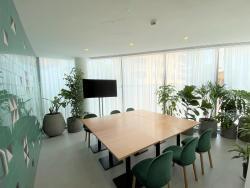 Green Room Suite